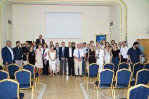 Και η αναμνηστική φωτογραφία Ροταριανών και μελών του Ρόταρακτ